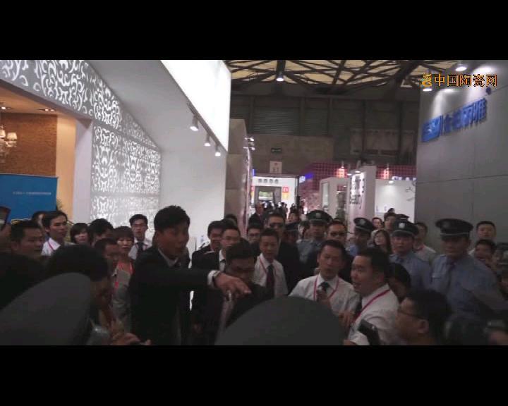 【视频】著名演员于晓光亮相上海厨卫展