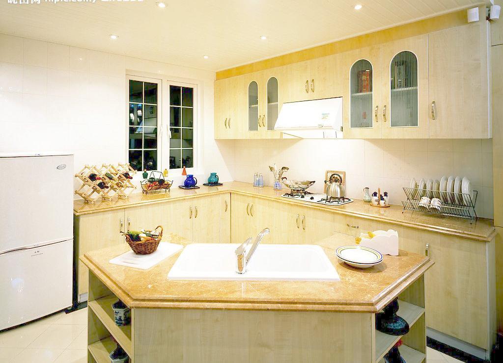 这里可以告诉你厨房墙壁瓷砖代替材料有几种