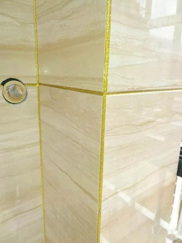 还在犹豫瓷砖的阳角要不要装阳角线?这样美缝再压缝更漂亮!