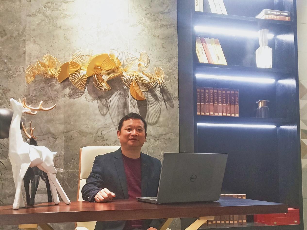 """羅國根:用行動詮釋新時代""""鷹牌人"""""""