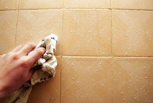 厨房瓷砖脏了用什么东西来清洗?