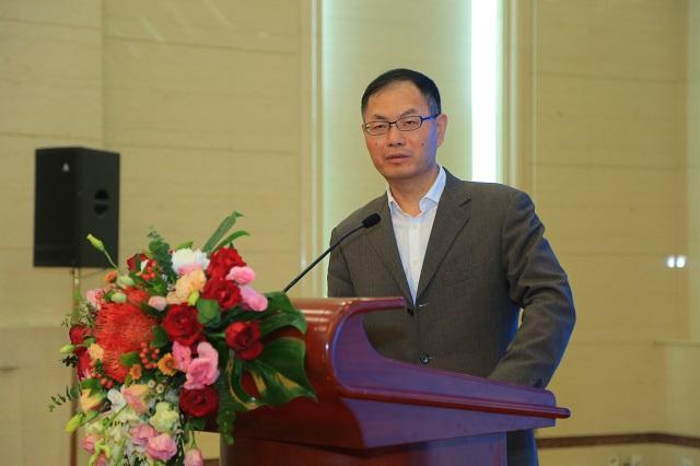 著名金融学家赵锡军以《当前经济金融形势分析》为题发表演讲。