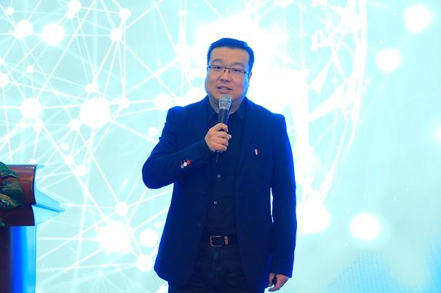 绿色家装饰董事长王大川以《5G时代家居消费应用科技新趋势》为题发表演讲。
