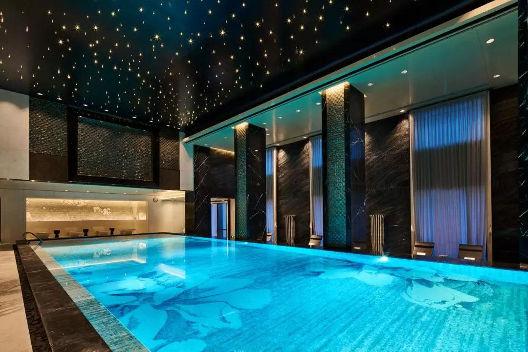 游泳池瓷砖怎么铺贴才好看?