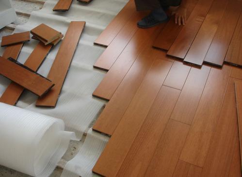 瓷磚上可以直接鋪木地板嗎
