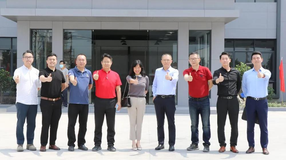 深圳家具协会佛山岩板企业调研组莅临将军企业参观考察!