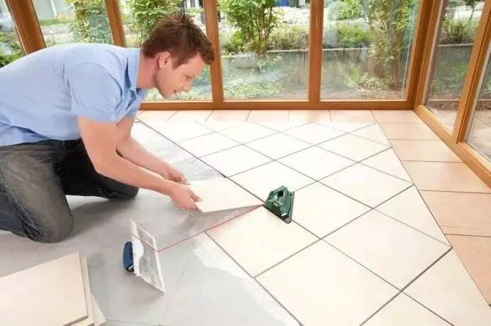 装修贴瓷砖,为什么越来越流行薄贴法?纯高级玩法!