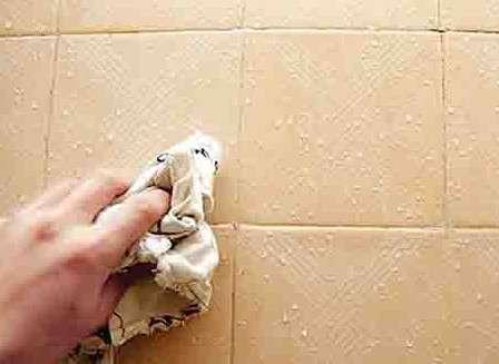 家里的瓷砖墙面回潮怎么办?怎么解决?