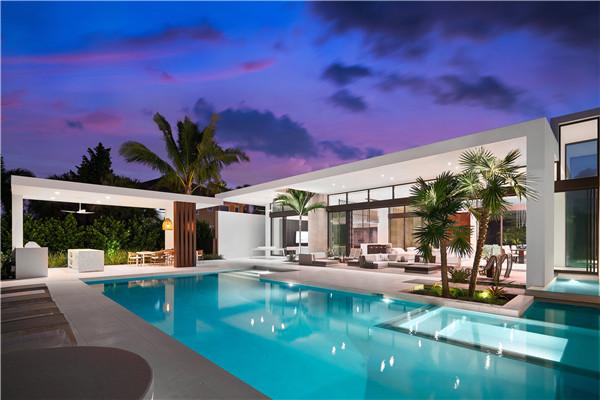 卡萨罗   每一个角度都是好莱坞级美景!这套度假式住宅绝了