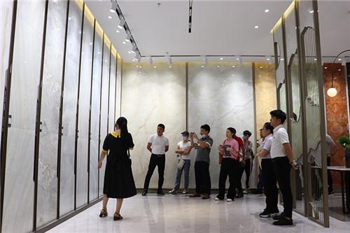 下一篇:广东省实验室设计建造技术协会莅临欧神诺生产基地