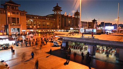 下一篇:霸屏国庆 | 顺辉瓷砖北京站广告正在热播