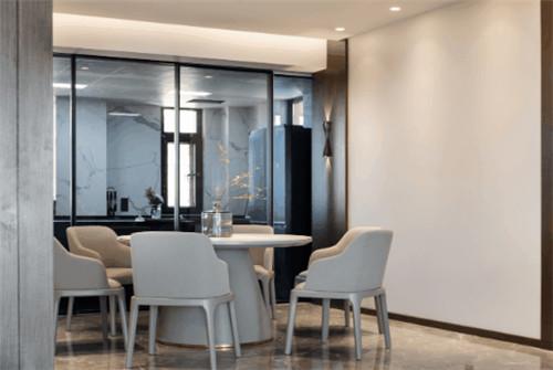 上一篇:歐神諾瓷磚 240㎡簡約風住宅,愜意舒適回歸生活本身