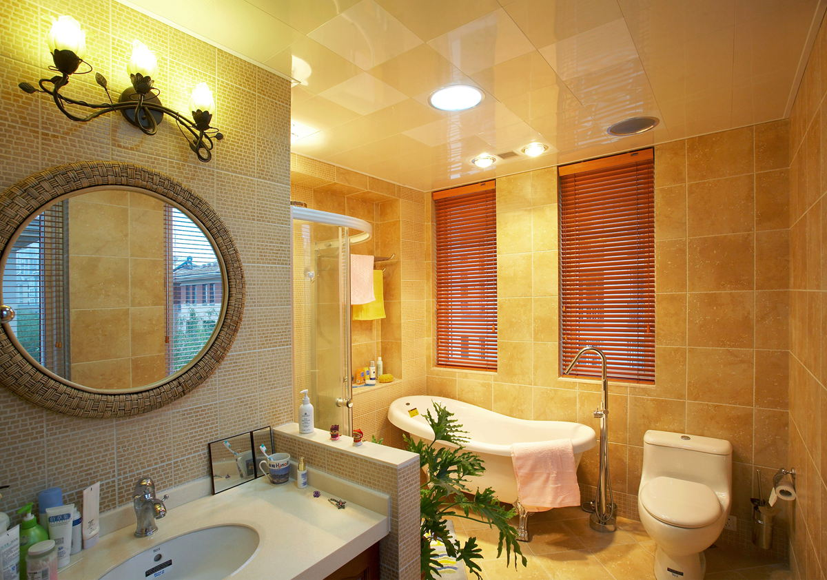 卫生间瓷砖铺贴�_卫生间面积影响铺贴瓷砖的尺寸吗?-中国陶瓷网行业资讯