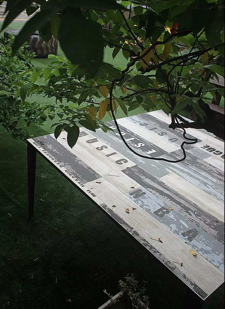 瓷砖桌子图片